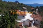 Kleine stilvolle Villa mit Meerblick in ruhiger Zone