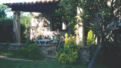 009_inter.guesthouse-outside.jpg